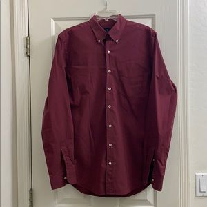 American Eagle maroon med Tall button up